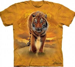Футболка The Mountain Rising Sun Tiger - Тигр на восходе солнца